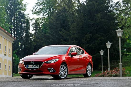 Mazda3 CD limuzina 150 skyactiv-D revolution top