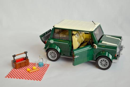 Mini Cooper LEGO  - set iz 1.077 delov