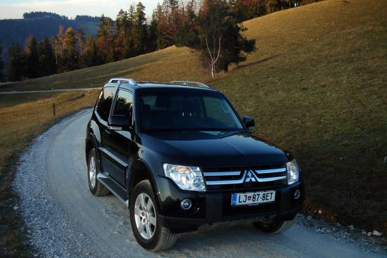 Mitsubishi pajero 3,2 DID intense